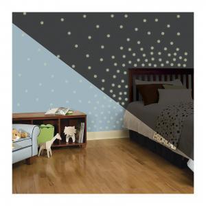Наклейки для декора Мерцающие точки (светятся в темноте) RoomMates. Цвет: белый