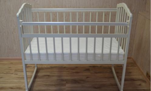 Детская кроватка Malika Melisa-2 (колесо-качалка) Массив