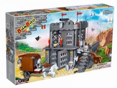 Конструктор  Замок (705 деталей) BanBao